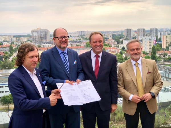 Umowę z dostawcą systemu roweru metropolitalnego Mevo podpisali w gdańskim Olivia Business Centre między innymi prezydenci Sopotu, Gdańska i Gdyni oraz marszałek Pomorza.
