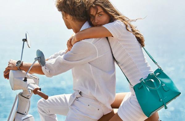 Komfort letnich stylizacji jest ważny zwłaszcza podczas wakacyjnych podróży.