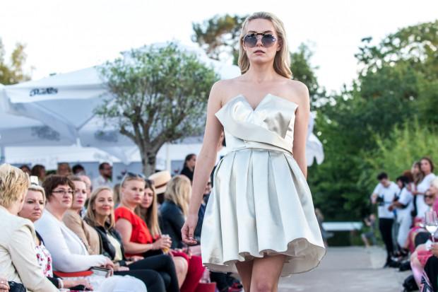 Piątkowy pokaz mody nowej kolekcji Lidii Kality zainaugurował sezon letni na sopockiej plaży.
