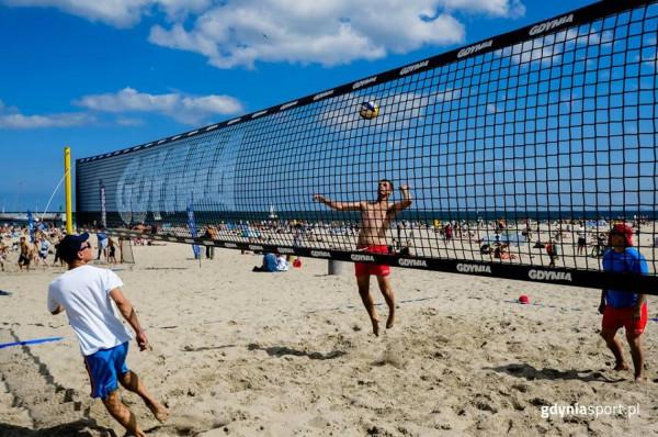 W Gdyni można zagrać w turnieje siatkówki plażowej w kategoriach open kobiet i mężczyzn, czy w mikstach. Do tego odbywają się zmagania młodzieżowe.