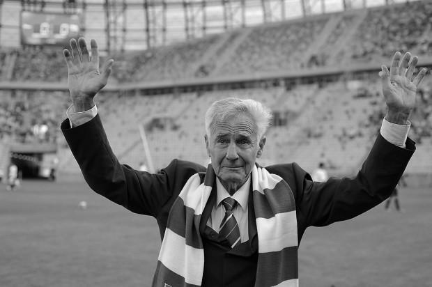 Roman Korynt zmarł w wieku 88 lat. Był jednym z najwybitniejszych piłkarzy w historii Lechii Gdańsk.
