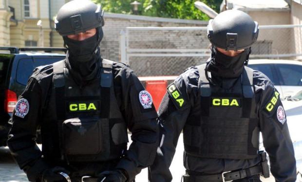 CBA i ABW wspólnie rozbiły grupę, która wyłudziła 7 mln zł VAT.