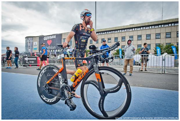Uczestnicy głównych zawodów w Gdyni będą mieli do pokonania dystans Ironman 70.3, czyli 1,9 km pływania, 90 km jazdy na rowerze i 21 km biegu.