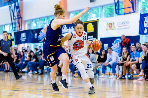 Druga najskuteczniejsza koszykarka Politechniki z poprzedniego sezonu Marianna Duszkiewicz zostaje w klubie na kolejny sezon.