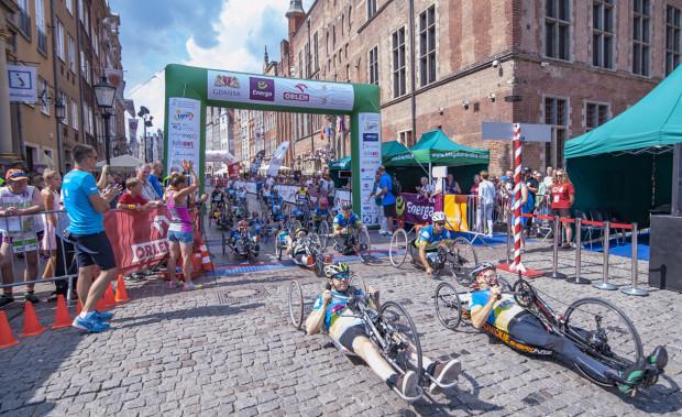 Wyścigi wózkarzy i wózkarek w ramach Biegu św. Dominika odbyły się po raz 16. Przyniosły sensacyjne rozstrzygnięcia.