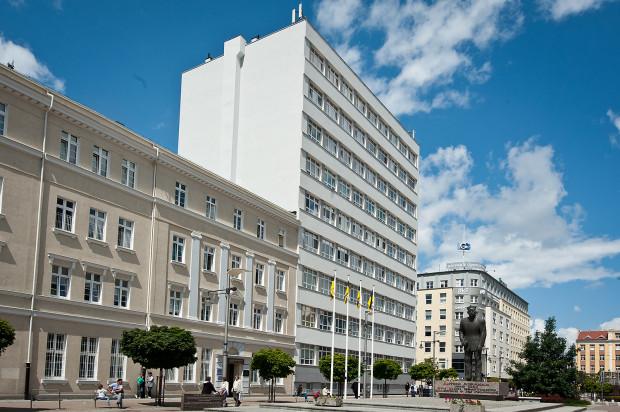 Awaria i niewydolność klimatyzacji podczas upałów znacznie utrudniają pracę Oddziału Kardiologicznego w gdyńskim Szpitalu św. Wincentego a Paulo.