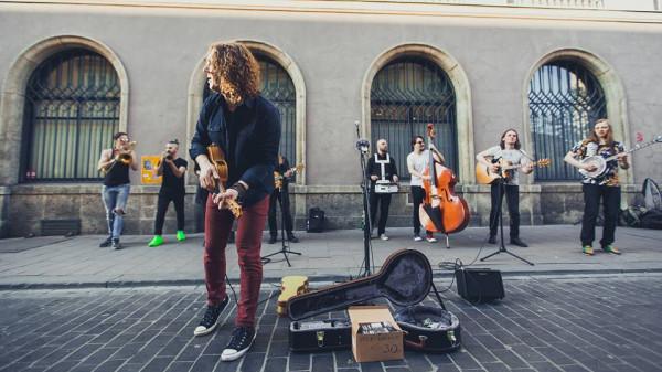 Ulica - naturalne środowisko Kraków Street Band.