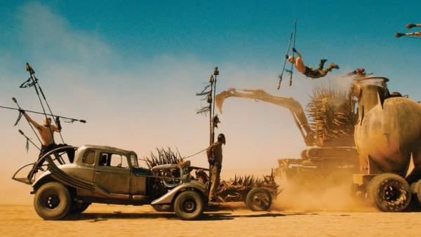 """Jednym z najciekawszych punktów programu Octopus Film Festivalu są pokazy plenerowe, często w zaskakujących lokalizacjach. Tak jak w przypadku filmu """"Mad Max: Na drodze gniewu"""", który za darmo będzie można zobaczyć przy Mlecznym Piotrze w sobotę 25 sierpnia."""