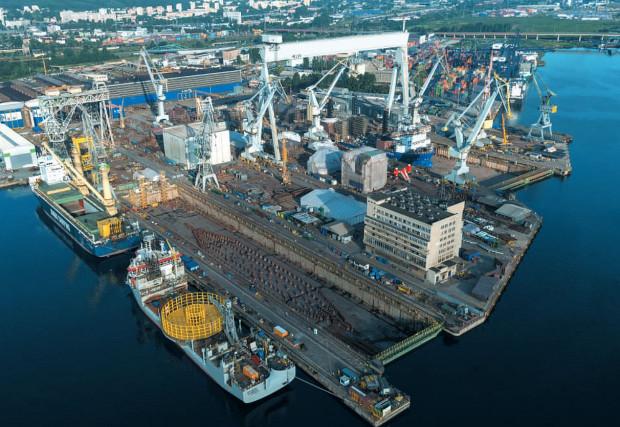 W pierwszej kolejności resort gospodarki morskiej przejmie kontrolę nad stoczniami w Szczecinie oraz należącą do MARSA-a spółką ST3 Offshore. Następnie w ramach procesu konsolidacji sektora stoczniowego pod kontrolę ministerstwa trafić mają też stocznie trójmiejskie.