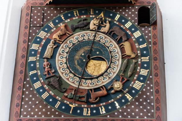 W samo południe, a w zasadzie 4 min przed nim, odbędzie pierwsza prezentacja zakończonych prac rekonstrukcyjnych przy zegarze astronomicznym w kościele Mariackim.
