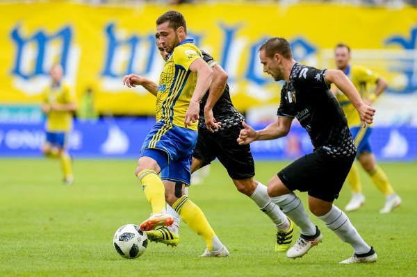 Luka Zarandia, w formie i w pełni zdrowy, jest jednym z najgroźniejszych skrzydłowych w ekstraklasie.