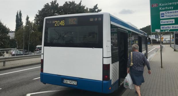 W kierunku Chwarzna z przystanku na Stryjskiej odjeżdża autobus 192. Tyle, że dojeżdża tylko do Witomina.
