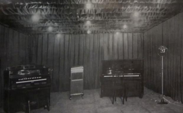 Pierwsze, niewielkie studio nagraniowe gdańskiej rozgłośni, 1926 r.