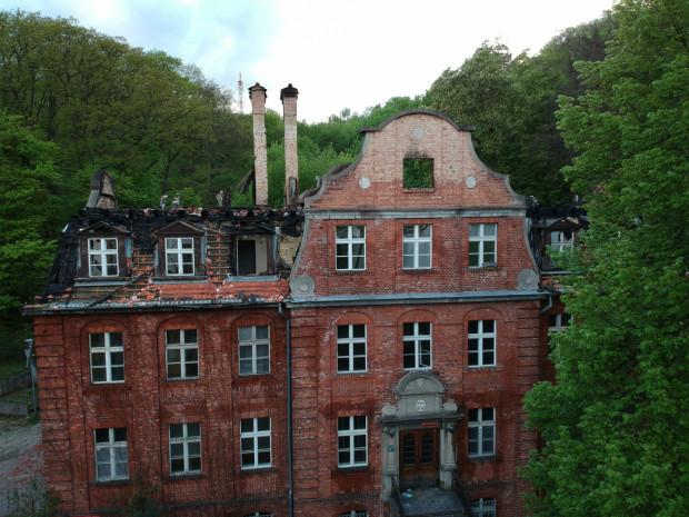 Budynek Do Studzienki 67 ma być zabezpieczony po pożarze przed zimą.