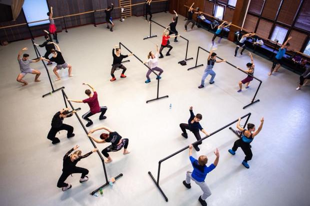 """Zespół Baletu Opery Bałtyckiej oprócz premier tanecznych - """"Giselle"""" i """"Święta wiosny / Dies Irae"""" prezentować się będzie w trakcie brunchu baletowego """"B jak balet""""."""