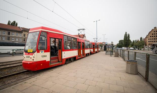 Tramwaj Konstal 105Na po modernizacji w Łodzi.