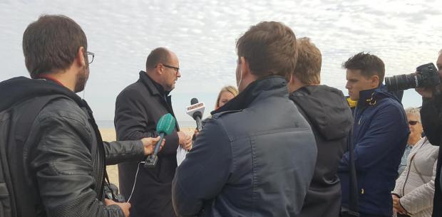 Prezydent Adamowicz zapowiada zmiany w studium dla plaży na Stogach.