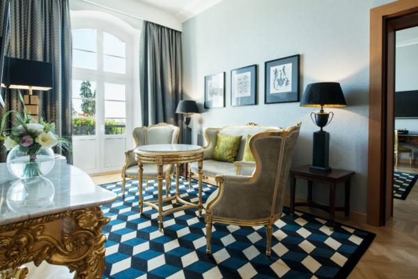 Najdroższe pokoje hotelowe to zazwyczaj przestrzenne apartamenty z ciekawym widokiem i szeregiem udogodnień.