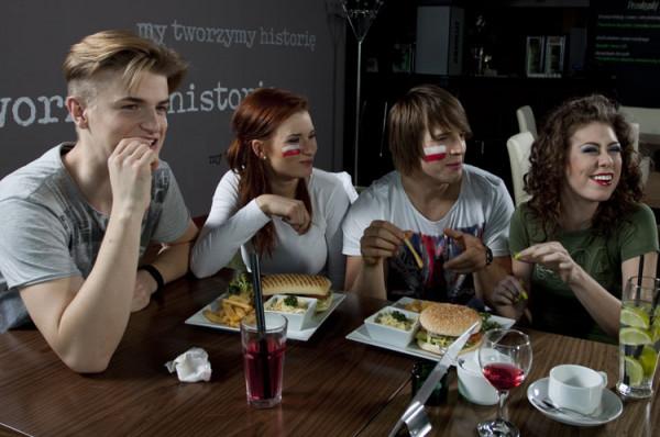 W restauracji T29 na stadionie zjemy pizzę czy burgery oraz napijemy się mocniejszych alkoholi.