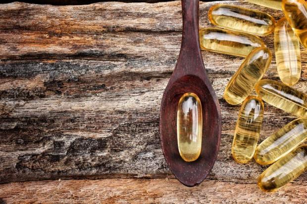 Olej rybi to dobre źródło kwasów tłuszczowych omega-3 oraz naturalnej witaminy D, której w okresie zimowym zaczyna nam po prostu brakować.
