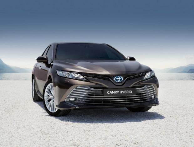 Toyota Camry powraca po 14 latach nieobecności.