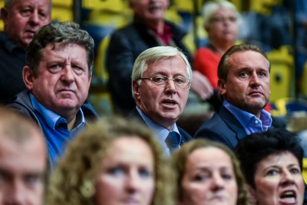 Bogusław Witkowski (w środku) wierzy w awans Arki do Eurocup.