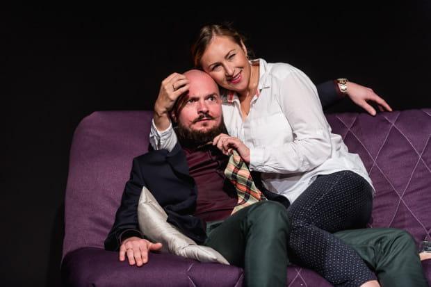Małżeństwo Alka i Betti (Piotr Mahlik i Aleksandra Okonowska) czekają gwałtowne burze z piorunami.