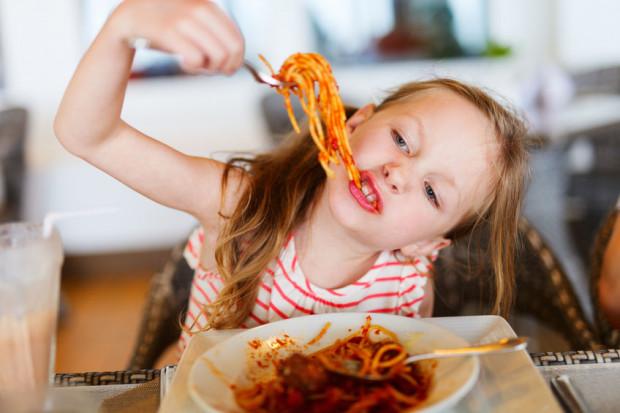 Niełatwo znaleźć w Trójmieście restauracje, gdzie w menu dziecięcym proponuje się niesztampowe jedzenie.