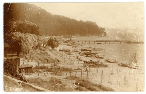 Widok na przystań rybacką, plażę i ujście rzeki Kaczej od strony Sopotu. Wyd. Dr Trenkler, ok. 1899 r.