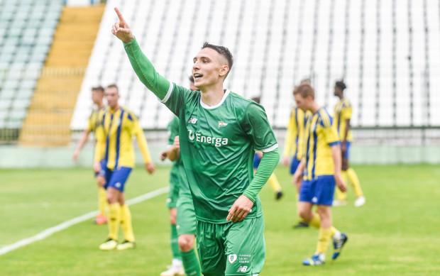 Jakub Arak zaliczył asystę przy zwycięskim golu Lechii w 41. derbach Trójmiasta, w wcześniej ustrzelił hat-tricka w meczu rezerw Lechii z Arką II Gdynia.