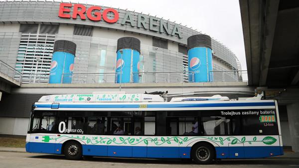 """Od października trolejbus z akumulatorami spotkać można na linii do Ergo Areny. W przyszłym roku podobne rozwiązanie zostanie zastosowane na """"autobusowej"""" linii 170."""
