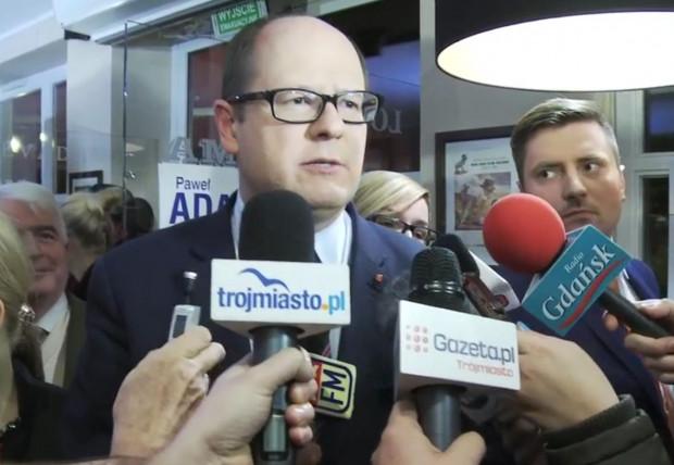 W 2014 roku Paweł Adamowicz świętował swoje zwycięstwa dopiero po drugiej turze wyborów.