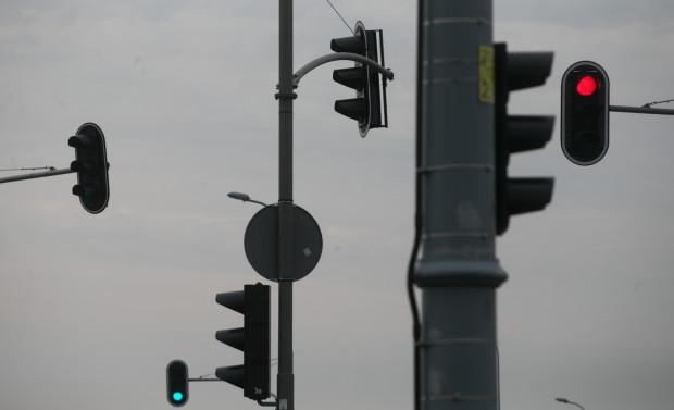 Przetarg został podzielony na dwa zadania, obejmujące infrastrukturę dla wszystkich użytkowników dróg oraz dotyczącą wyłącznie komunikacji miejskiej.