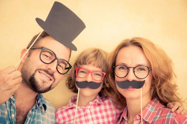 Listopadowe zapuszczanie wąsów to nie tylko okazja do pochwalenia się zarostem. To przede wszystkim zmasowana akcja, której celem jest zwrócenie uwagi na profilaktykę raka jądra i prostaty. Akcja, do której włączają się całe rodziny.