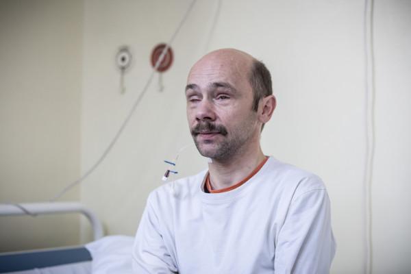 Choć od przeszczepienia wysp trzustkowych minęły niespełna dwa tygodnie, pacjent już teraz odczuwa znaczną poprawę i jest zadowolony z rezultatów zabiegu.