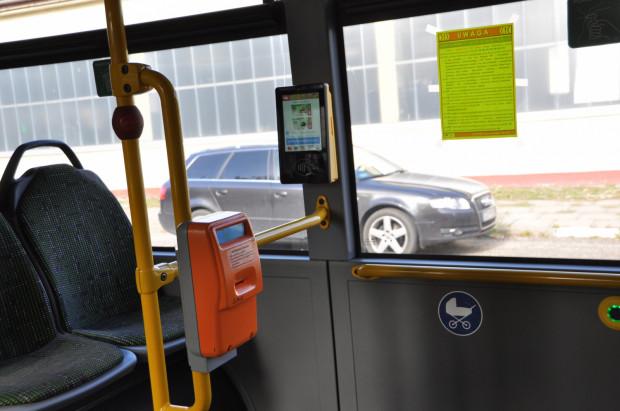 Ok. 4-5 biletów dziennie jest kupowanych w każdym z 23 biletomatów zainstalowanych w 15 autobusach kursujących na lotnisko w Gdańsku.