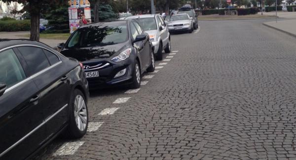 Śródmiejska Strefa Parkowania w Gdyni objęłaby m.in. al. Jana Pawła II.
