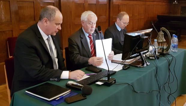 Nowe prezydium sopockiej Rady Miasta. Od lewej: Piotr Bagiński, Wieczesław Augustyniak i Jarosław Kempa.