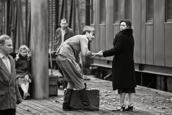 """Jedną z najciekawszych propozycji filmowych z pewnością będzie obsypany nagrodami film """"Na skrzyżowaniu wichrów"""", który 7 grudnia o godz. 17 zobaczyć można w Teatrze w Oknie."""