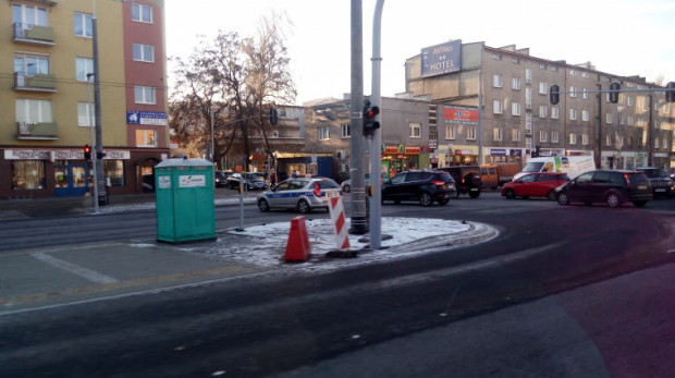 Policjanci wyłączyli z ruchu ul. Morską w kierunku centrum.