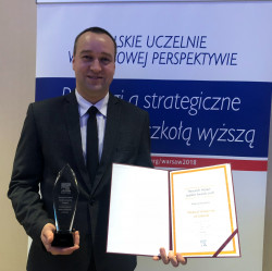 Nagrodę odebrał prorektor GUMed ds. nauki prof. Tomasz Bączek podczas uroczystej gali.