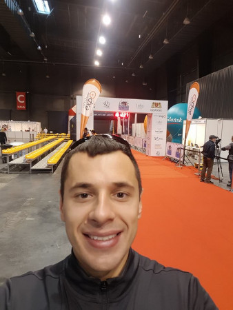 Łukasz Marszałkowski bierze udział w różnego rodzaju biegach długodystansowych. Na zdjęciu przed tegorocznym Półmaratonem Gdańsk.
