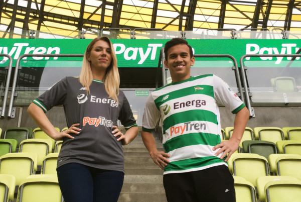Indonezyjska firma PayTren od najbliższej niedzieli będzie reklamowana przez piłkarzy Lechii Gdańsk na koszulkach. Będzie widoczna także na gdańskim stadionie.