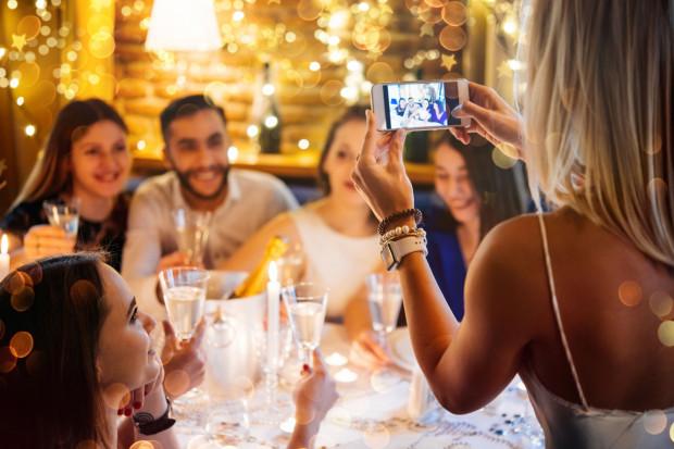 Podczas świątecznych spotkań coraz częściej każdy chce się prezentować jak najlepiej.