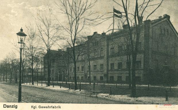 Zabudowania Królewskiej Fabryki. Widok od strony ul. Łąkowej. Zdjęcie z początku XX wieku.