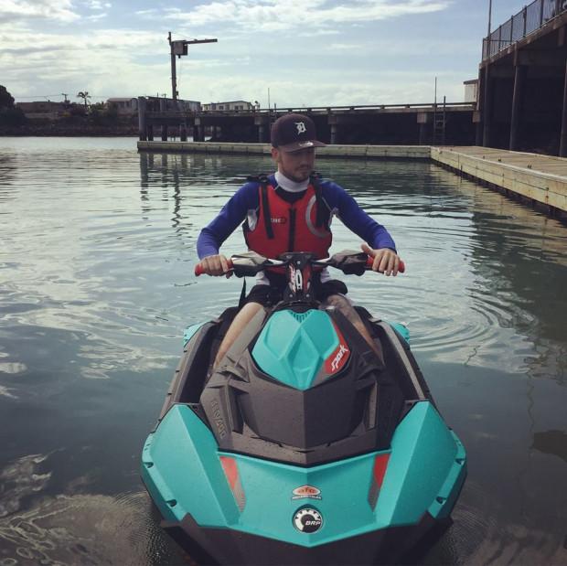 Jazda na skuterze wodnym to jedna z wielu rozrywek jakim można oddać się w święta w Nowej Zelandii.