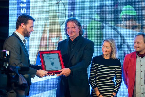 """Mariusz Koper w 2016 roku odbierał Drugą Nagrodę """"Rejs Roku"""". Tym razem sięgnął po najwyższe trofeum."""