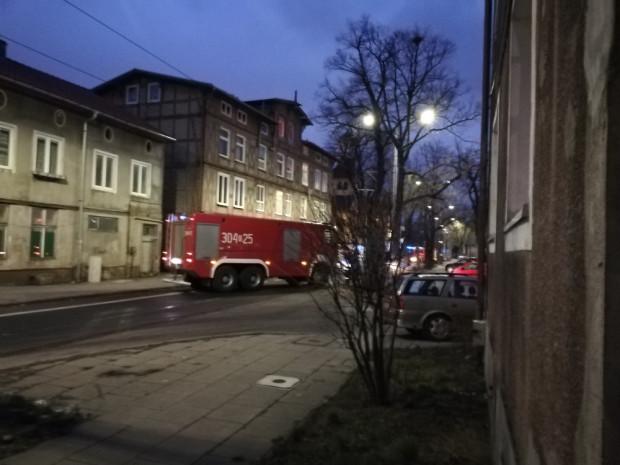 Ul. Oliwska została do odwołania zamknięta dla ruchu kołowego i tramwajowego.