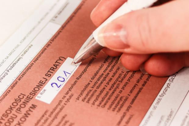 Papierowe formularze PIT odchodzą powoli w niepamięć. Od 2019 roku skarbówka wypełni za nas deklaracje i udostępni w formie cyfrowej.
