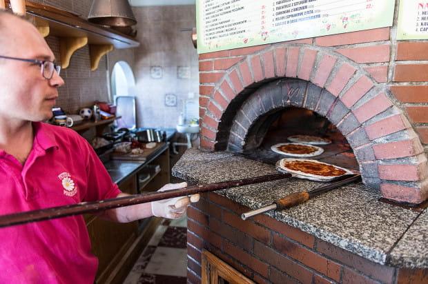 Margherita to pierwsza w Trójmieście pizzeria z piecem opalanym drewnem.